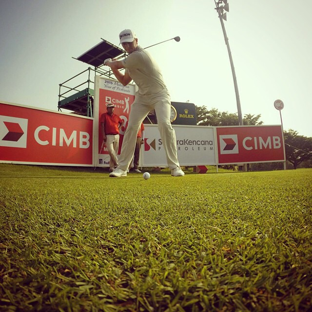 Repost from @pgatour via @igrepost_app, Chris Stroud putting a move on one during a #CIMBClassic practice round. #PGATOUR #golf