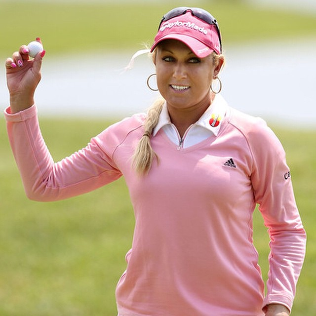 Miss Gulbis looking stylish (as usual!) #golf #golfapparel #golfstyle #pink #instagolf #lpga