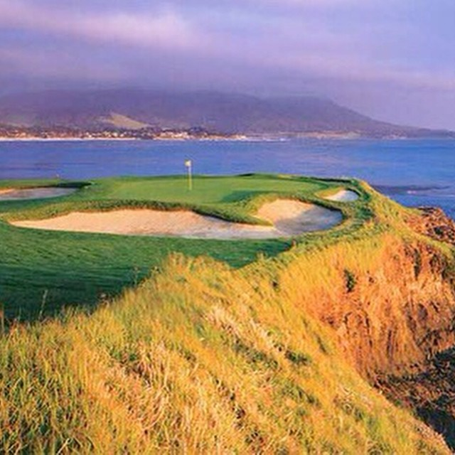 The one and only, Pebble Beach. Love the light in this pic. #golf #instagolf #golfcourse #pebblebeach ?⛳️?