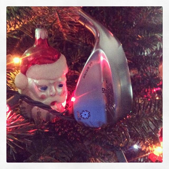 Thank you Santa for my new 60 degree Vokey SM5 wedge! #golf #instagolf #vokey #titleist #golfing ???